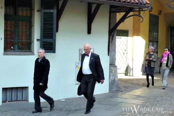 Robert Maurer (na zdjęciu pierwszy z lewej) i Janusz Korwin-Mikke we Wrocławiu