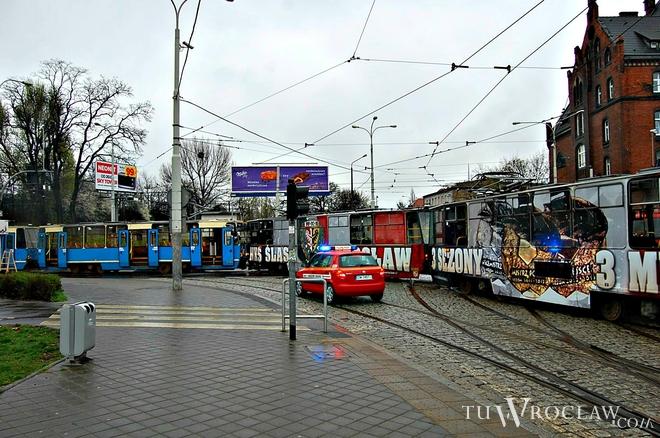 Na placu Powstańców Wielkopolskich tramwaj potrącił pieszego [zdjęcie ilustracyjne]