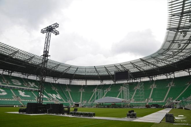 Na Stadionie Miejskim od kilku dni trwał montaż ogromnej sceny