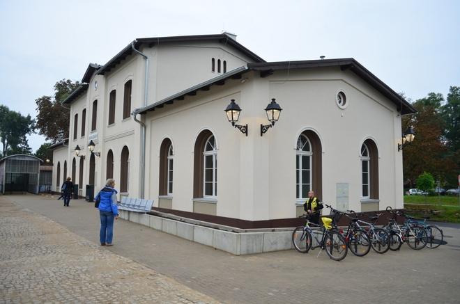 Dworzec w Brzegu Dolnym po rewitalizacji