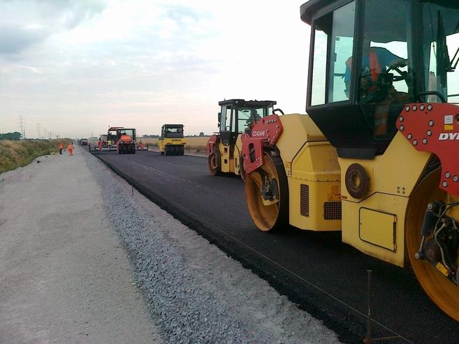 We wrześniu drogowcy układali asfalt