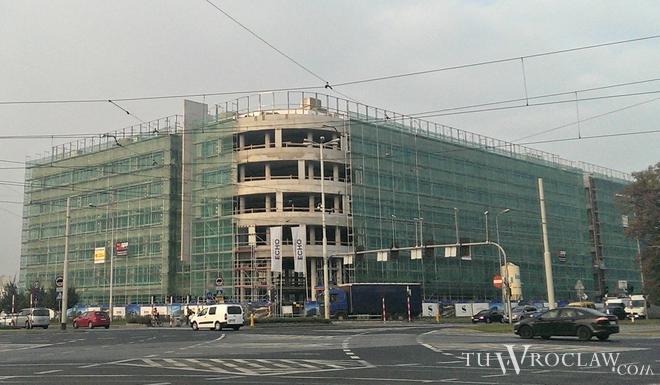 Na zachodzie Wrocławia rośnie biurowiec West Gate