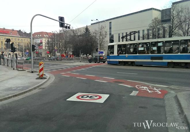 Ułatwienia dla rowerzystów powstały m.in. na ulicy Świdnickiej