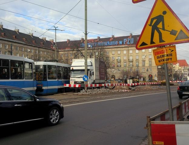 Na placu Kościuszki wciąż trwają przewierty
