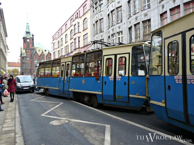 Na ulicy Krupniczej wykoleił się tramwaj