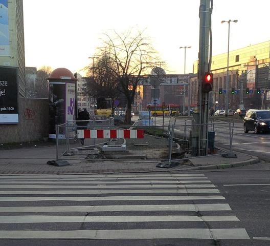 Trwa budowa drogi rowerowej na ulicy Traugutta