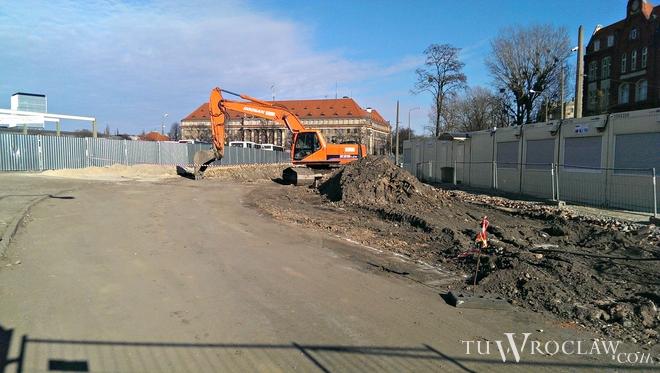 W związku z budową galerii handlowej w miejscu dworca PKS, przebudowany zostanie też układ drogowy