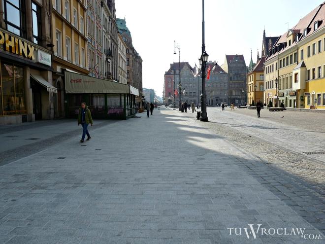 W niedzielę we wrocławskim Rynku padł koń zaprzężony do dorożki