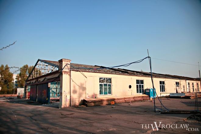 W dawnej hali zajezdni przy ulicy Grabiszyńskiej powstaje centrum wystawiennicze
