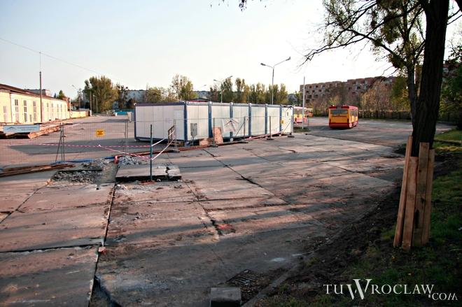 Część terenu dawnej zajezdni trafiła pod młotek. Za ponad 11,5 mln złotych kupi ją Vantage Development