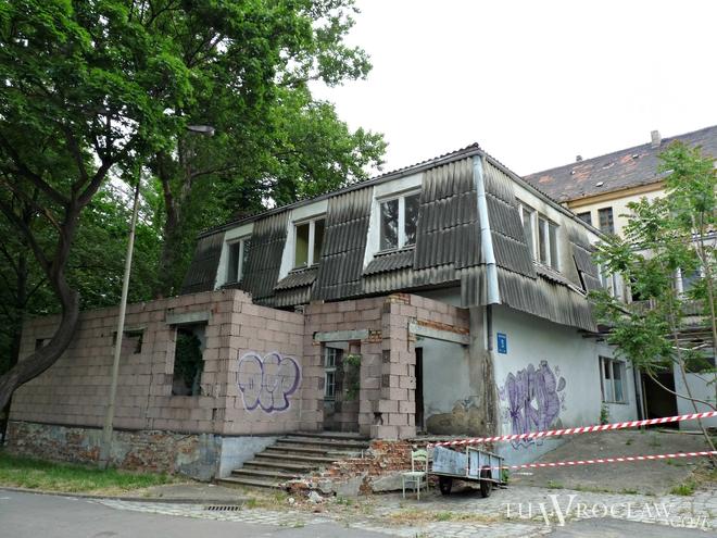 Niewielki budynek został rozebrany. Nie był wpisany do rejestru zabytków