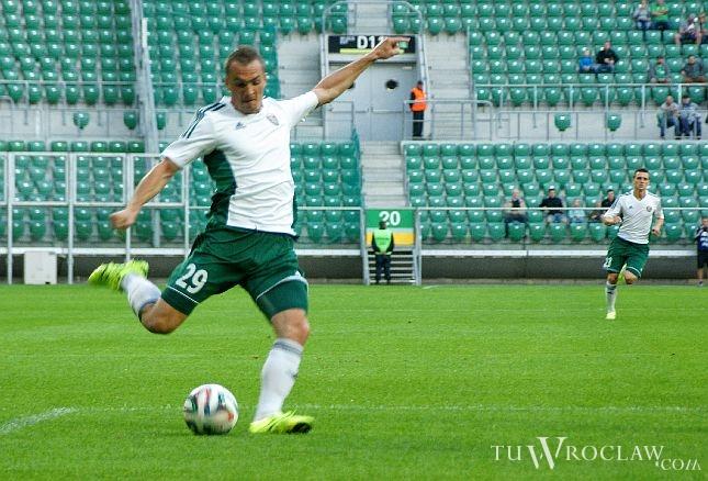 Jeśli Śląsk podpisze kontrakt z Michałem Janotą, Słowak Peter Grajciar będzie miał trudnego rywala w walce o miejsce w składzie zespołu