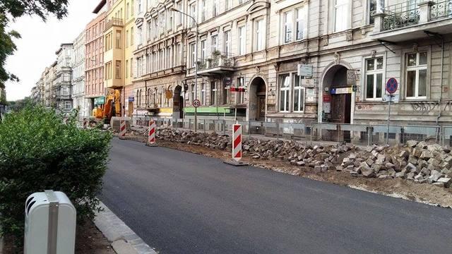 Kończy się wymiana nawierzchni na ulicy Trzebnickiej
