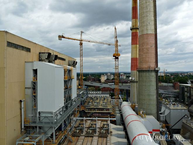 We wrocławskiej elektrociepłowni dobiega końca budowa instalacji odsiarczania i odazotowania spalin