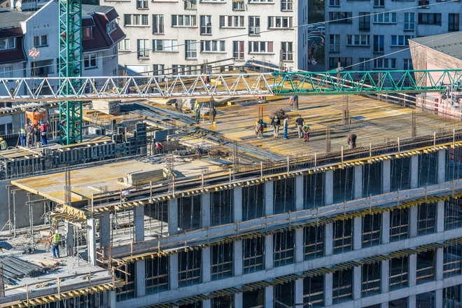 Biurowiec Nobilis Business House rośnie tuż przy Pasażu Grunwaldzkim