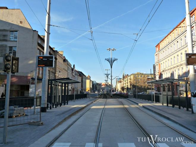 Nowe przystanki tramwajowe nad przejściem Świdnickim są już gotowe. Od 13 lutego wrócą do rozkładu jazdy