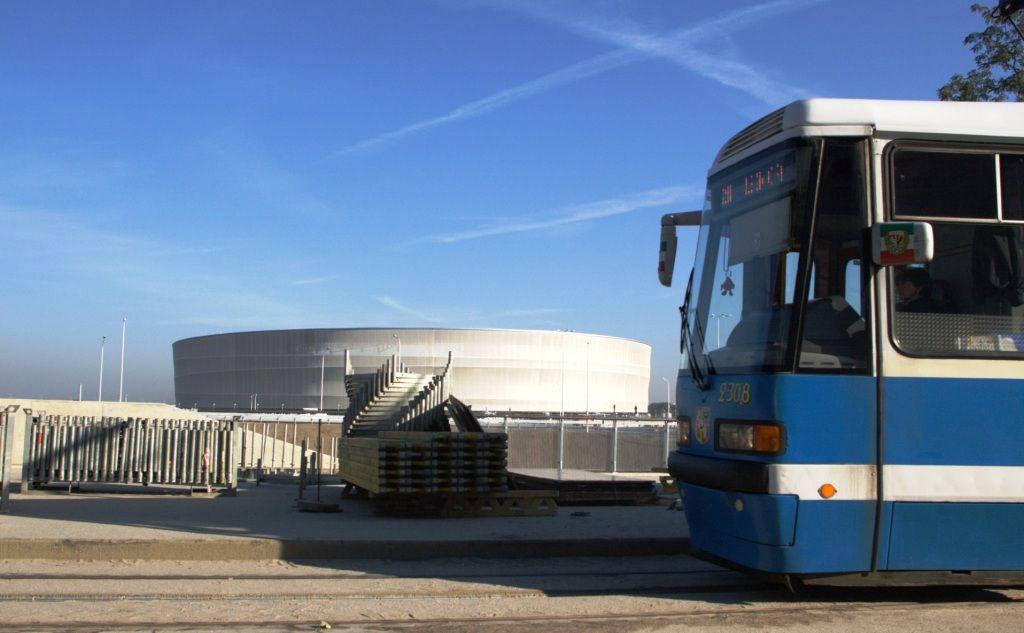 Dodatkowe tramwaje i autobusy pomogą kibicom dostać się na mecz