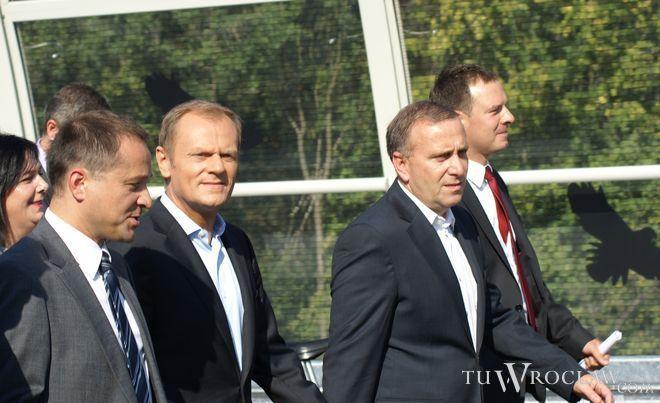 W ubiegłym roku Donald Tusk przyjechał do Wrocławia na otwarcie mostu Rędzińskiego na AOW
