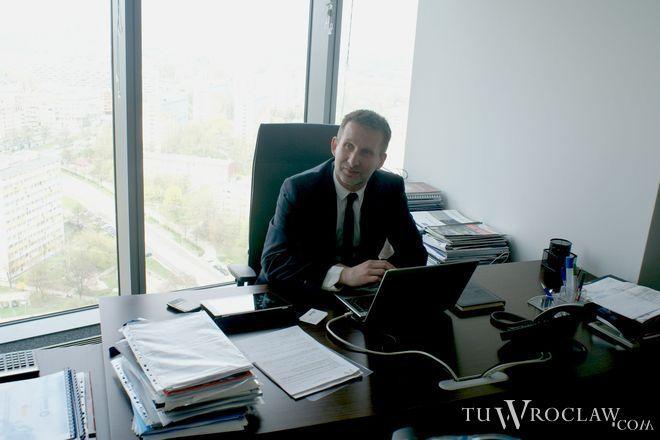 Tomasz Hanczarek, dotychczasowy prezes wrocławskiej spółki Work Service, a także wieloletni radny rady miejskiej, z końcem roku złoży rezygnację