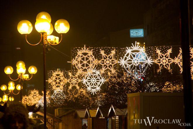 Iluminacje na wrocławskich ulicach możemy podziwiać co roku