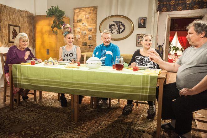 Jedną ze sztandarowych produkcji grupy jest popularny serial ''Świat według Kiepskich''