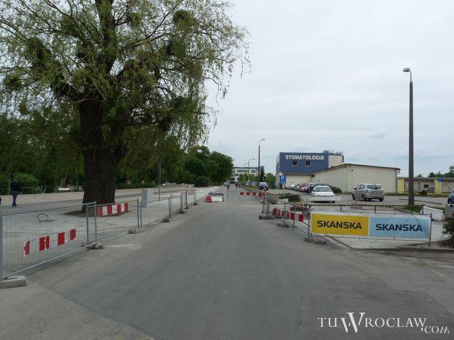 Ulica Weigla została rozbudowana od wjazdu do szpitala wojskowego