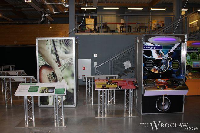 Na co dzień w Humanitarium można oglądać wystawę Play the Music – od fizyki do muzyki