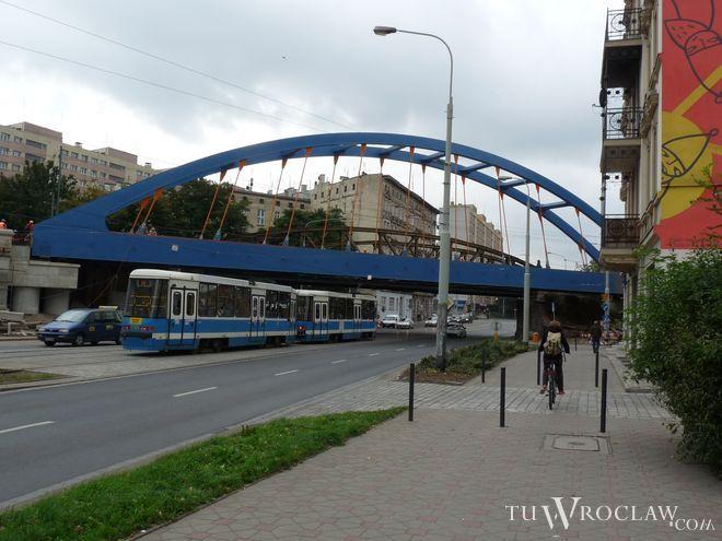 Przebudowa wiaduktu nad ulicą Grabiszyńską cały czas trwa