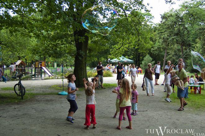 Piknik w parku Zachodnim w ramach akcji Wrocławianie na Polanie