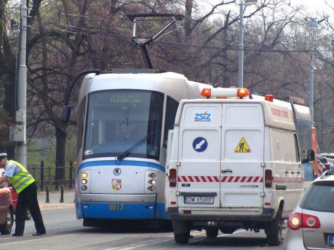 Problem z tarasowaniem torowisk tramwajowych we Wrocławiu pojawia się od lat