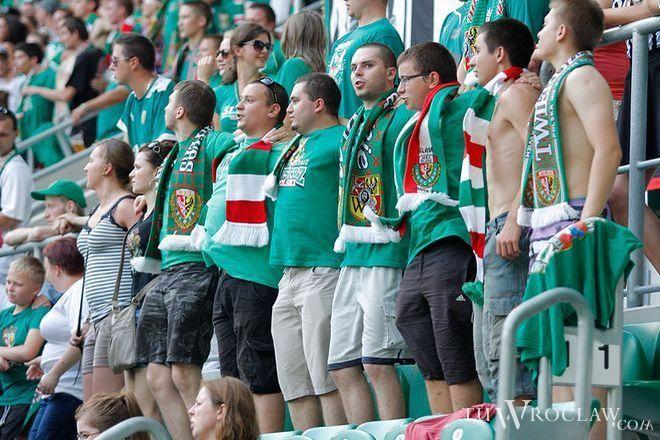 Według piłkarskiego związku na trybunach Stadionu Wrocław jest bezpiecznie
