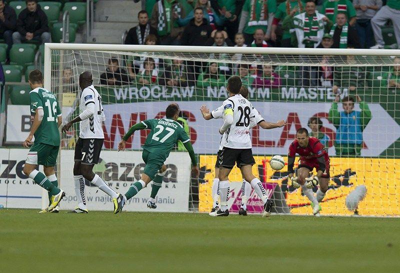 Liga nie gra, ale piłkarze Śląska i tak ciężko pracują