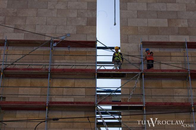 Prace przy przebudowie Capitolu skończą się 4 miesiące później niż planowano