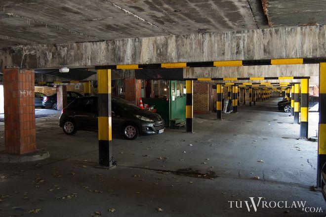 Parking pod wrocławskim Manhattanem został zamknięty