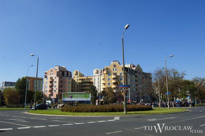 Rondo na skrzyżowaniu ulic Zaporoskiej, Gajowickiej i Szczęśliwej od kilku lat nosi nazwę Żołnierzy Wyklętych