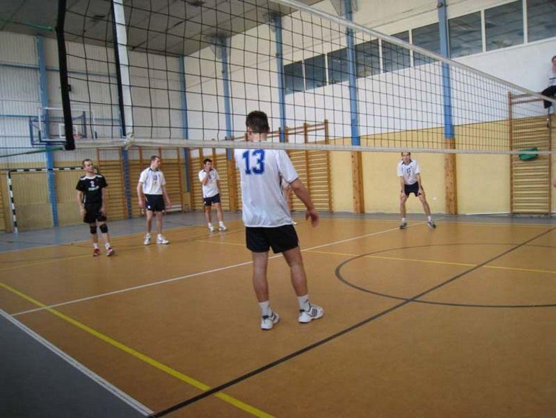 Rywalizacja siatkarska odbywa się w hali sportowej mieszczącej się przy ulicy Krajewskiego.
