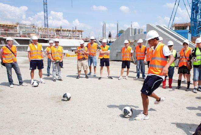 Piłkarze już w najbliższą niedzielę odwiedzą ponownie teren budowy stadionu na EURO 2012.