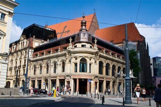 To właśnie reprezentatywny hotel Monopol będzie siedzibą Czechów podczas futbolowcy mistrzostw Europy
