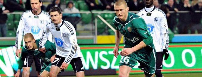 Przemysław Kaźmierczak znów został powołoany do kadry. Z lewej w zielonej koszulce Piotr Celeban, który już jako gracz FC Vaslui dostał powołanie