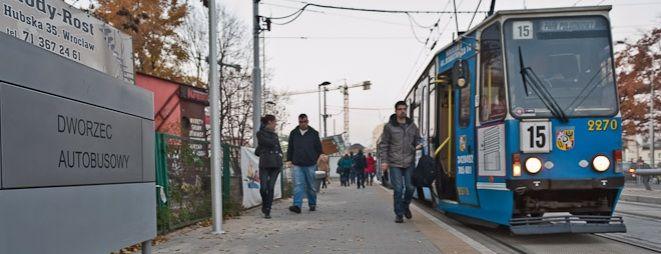 Pasażer zgubił saszetkę w tramwaju linii 15