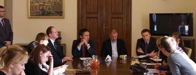 Rafał Dutkiewicz pomaga promować wrocławskie przedsiębiorstwa na zagranicznych spotkaniach