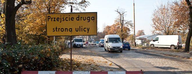 W tym rejonie miasta kierowcy i piesi już przyzwyczaili się do utrudnień