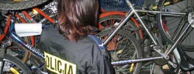 Złodzieje ukradli między innymi kilkanaście rowerów