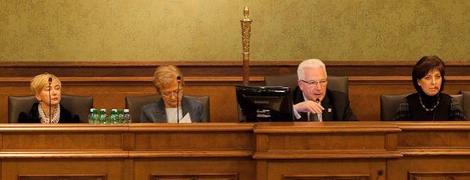 Przewodniczący Rady Miejskiej zapowiada, że porządek sesji nadzwyczajnej o Śląsku Wrocław zostanie okrojony