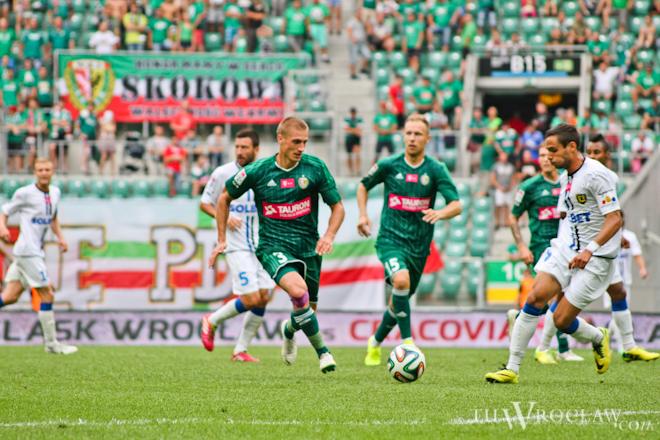 Rafał Grodzicki (czwarty od lewej) pożegnał się ze Śląskiem Wrocław i powędrował na... Śląsk. Został zawodnikiem Ruchu Chorzów