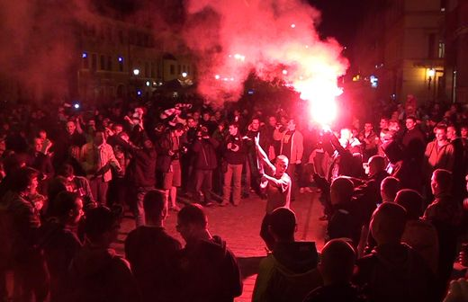 Tysiące kibiców świętowało w Rynku tytuł Mistrza Polski zdobyty przez piłkarzy Śląska