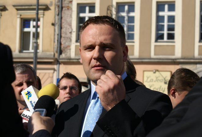 Dawid Jackiewicz po raz drugi jest na drugim miejscu w sondażu przedwyborczym GFK Polonia
